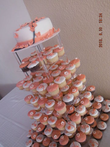 Pastel Y Cupcakes Xv A 241 Os Color Coral Cupcake By Jana